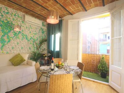 Centro - Plaza Catalunya apartment rental - Balcony to the city very quiet & Bright all day.