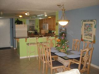 Destin Pointe condo photo - Dining