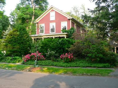 Elegant Victorian Next To Smith College, Graduation, Parents Weekend, Vacations