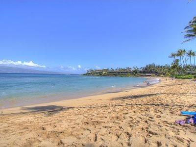 Easy access to Napili Bay Beach. Directly across the street.