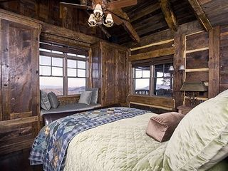 Sapphire cabin photo - Bedroom downstairs with view window reading seat.