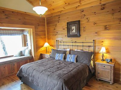 Carolina Cabin Rentals Cloud 9 Master King Bed