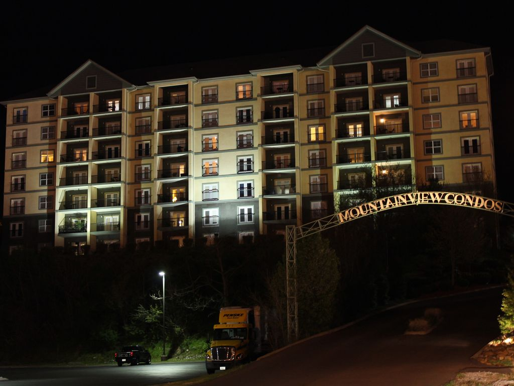 bedroom 2 bath condo in downtown pigeon forge vrbo