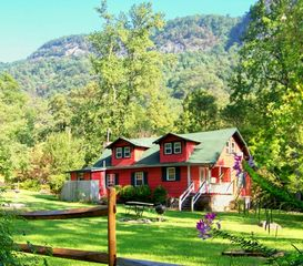 Chimney Rock cottage photo - Large backyard of Crimson Cottage with picnic table, fire pit & mountain views