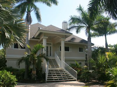stunning newly renovated tropical theme  homeaway heron's landing, beach house rentals in sanibel fl, sanibel beach house rentals, sanibel beach house rentals with pets