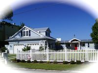 Paradise Shores- Beautiful, Luxurious Bay Front Cottage With Pool And Spa