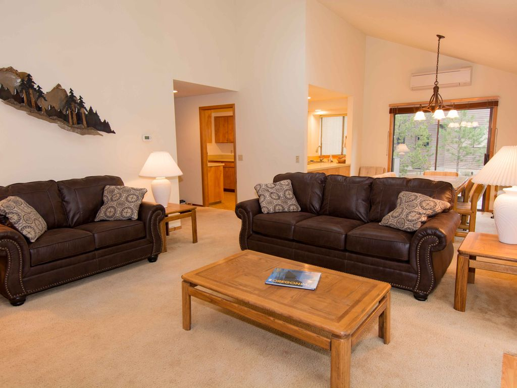 bright single level home 2 master bedrooms vrbo like new 2 master suites