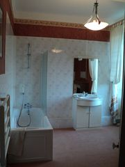 Saint-Georges-sur-Erve chateau / country house photo - Family bathroom