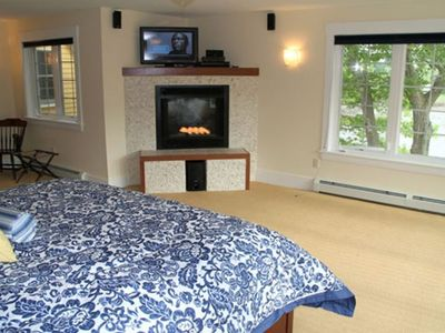 LARGE Captains Quarters King Suite with AC