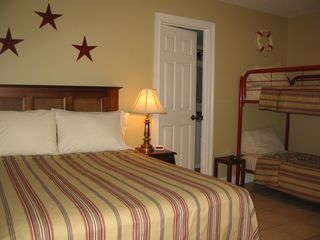 Pensacola Beach condo photo - Full bed and bunkbeds in second bedroom.