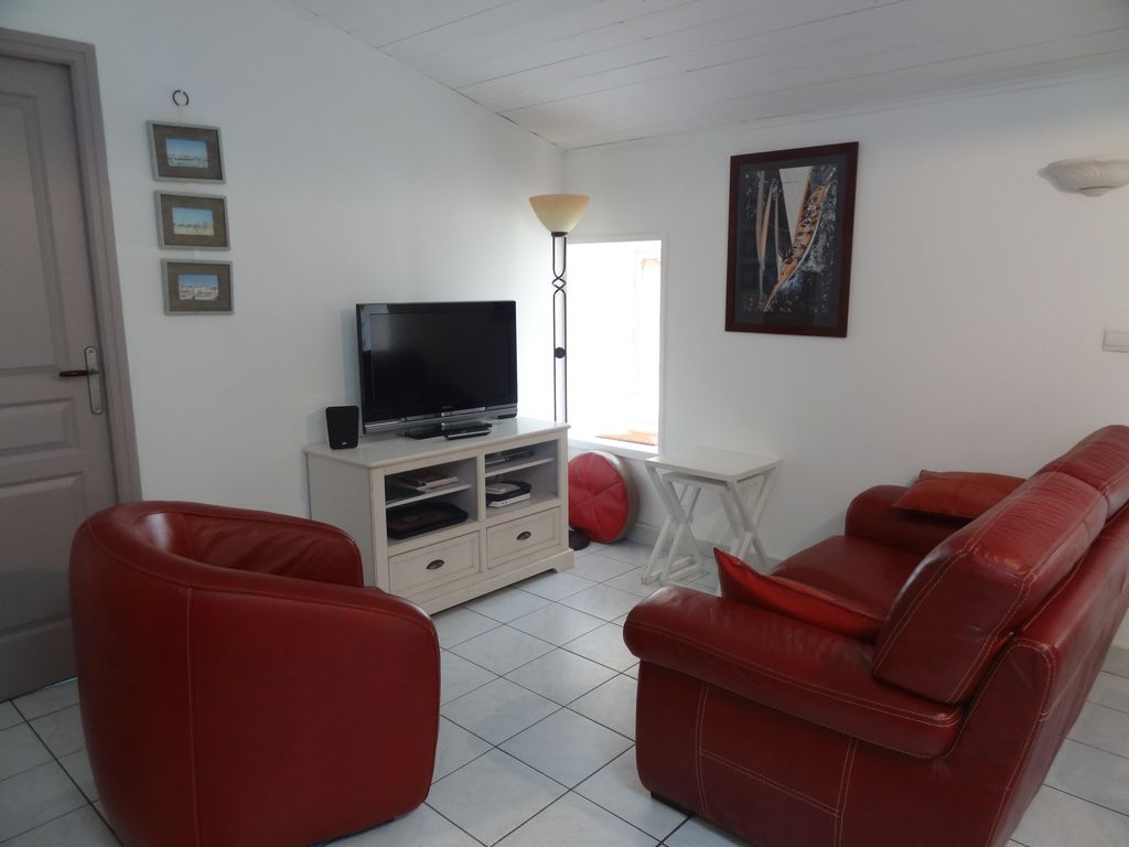 Cheap apartment, 55 square meters, close to the beach