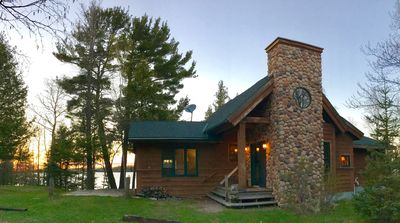 Air-Conditioned Year-Round Lakeshore Cabin