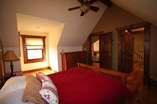 Lake Anna cottage photo - Loft Queen Attached to Full Bath