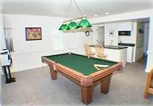 Game Room has Pool Table, Stereo, PS2, Wet Bar & Ice Machine, MW