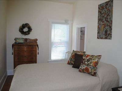 Bright & warm, new queen bed, walk in closet, attached bath. Sweet dreams~