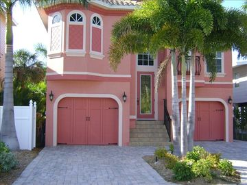 Fort Myers Beach house rental - Front view of Villa