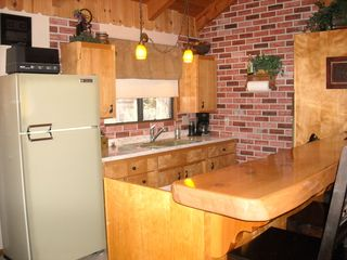 Big Bear Lake cabin photo - Kitchen - Vintag Fridge/Sink/Stovetop/double Oven A blast from the past