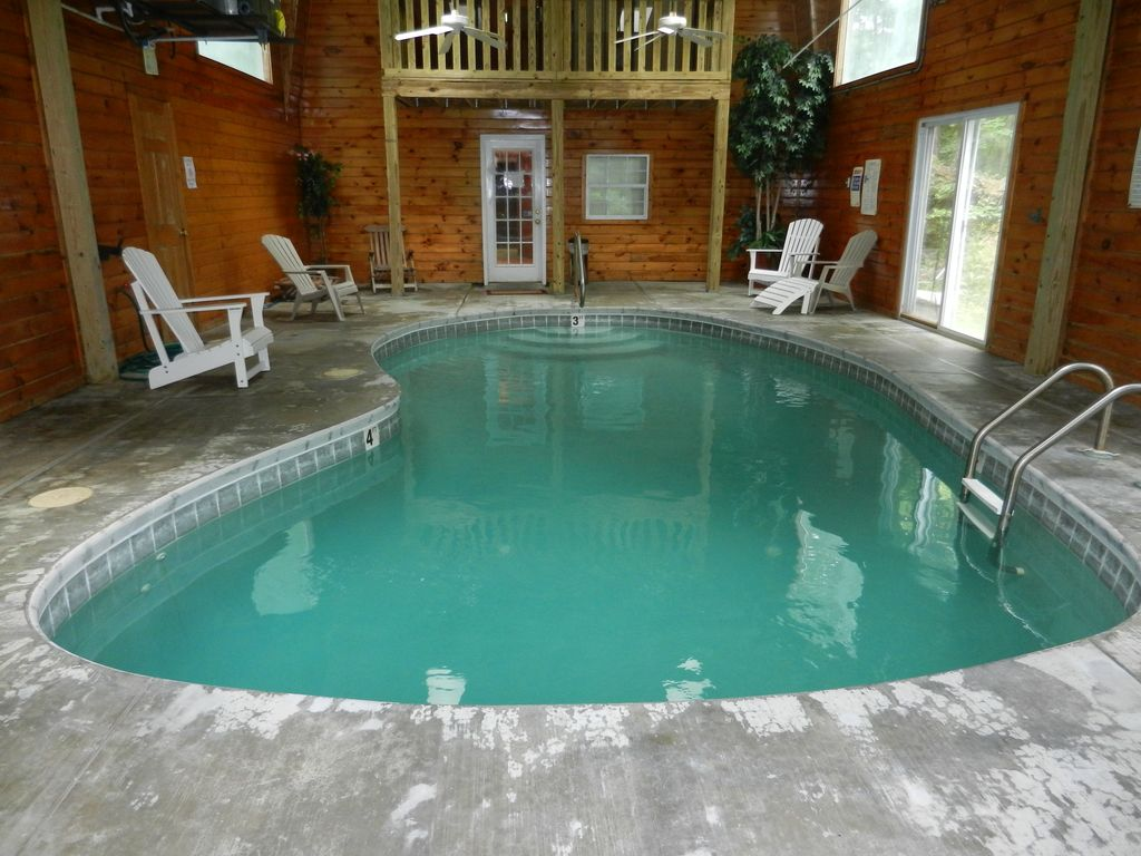 Private indoor pool in gatlinburg 4 br vacation chalet - Holiday homes with indoor swimming pool ...