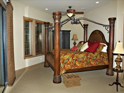2nd floor:KING'S CHOICE Master Suite; private balcony overlooking courtyard