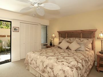 MASTER BEDROOM WITH CAL KING BED OPENS ONTO PRIVATE LANAI