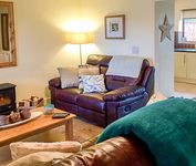 ESKVIEW COTTAGE, family friendly, with a garden in Whitby, Ref 919891