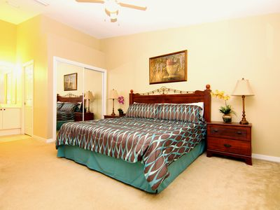 Spacious comfortable master en suite with king size bed
