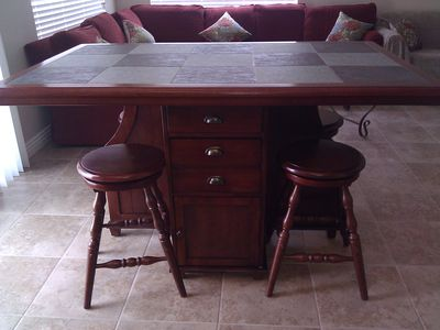 Las Vegas house rental - Pub seating table for 4.