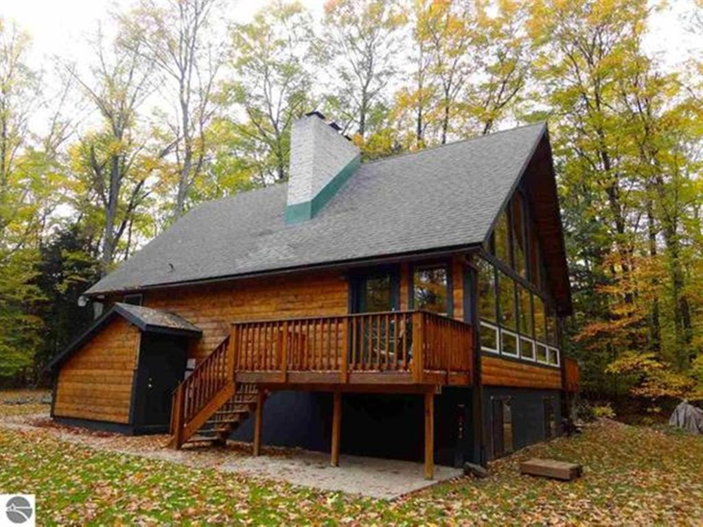 Beautiful up north cabin 4br 2b sp 12 with unlimited for Up north cottages
