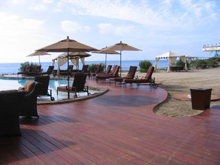 Rosarito Beach condo photo - Sand level pool deck