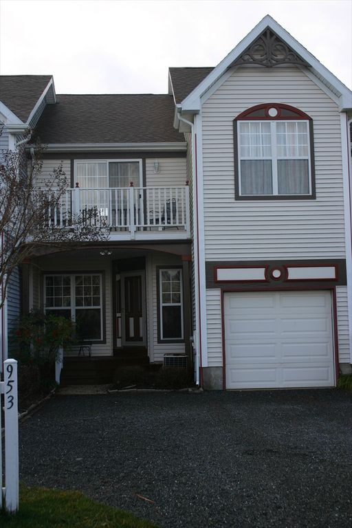 Ocean Pines townhome rental - Townhome exterior with 1 car garage