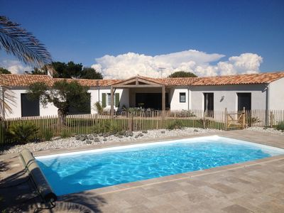 Peaceful accommodation, with pool, close to the sea