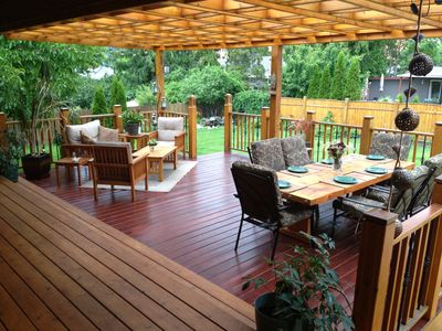 'Outdoor Living' & dining room!