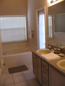 Kissimmee house rental - Master bathroom with exterior direct access