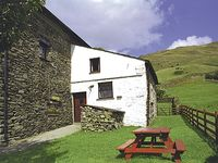 THE BOTHY, pet friendly, with a garden in Staveley, Ref 755