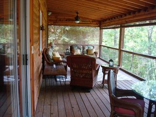 Hartwell Lake house photo - Covered Porch Outdoor Living Area