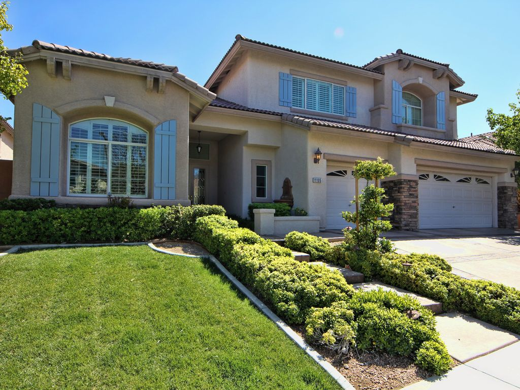 Luxury 4500 sq foot executive home 5 vrbo for 4500 sq ft home