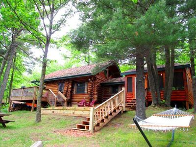 Authentic log home, 2 decks, huge screen porch, 200 ft of private lakeshore