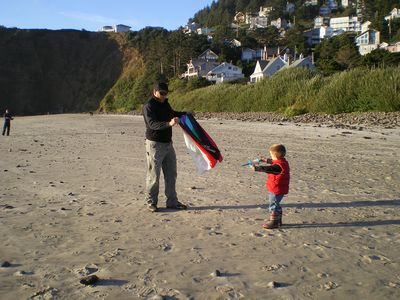 Learning to fly kites on the beach