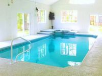 INDOOR POOL 4BR, Close to Beach