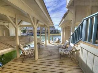 Horseshoe Bay townhome photo - Water level deck with shade