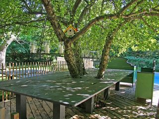 East Quogue house photo - Outdoor dining table under crabapple tree.