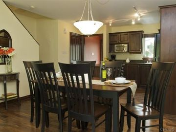 Mont Tremblant condo rental - Dining room and kitchen viewed from living room