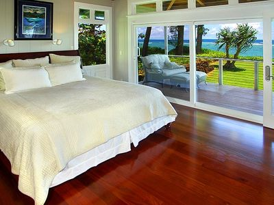 The Blue Lagoon offers 2 Ocean View Master Suites (Suite1) Interior Ceiling fan