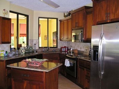 Beautiful remodeled kitchen!!