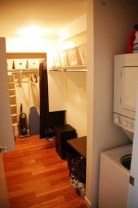Walk in closet and washer/dryer