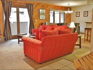 Steamboat Springs condo photo - Entry has a Bench & Coat Racks
