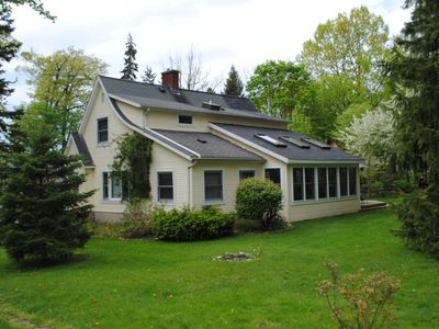 Great Michigan cottage, walk to the beach!