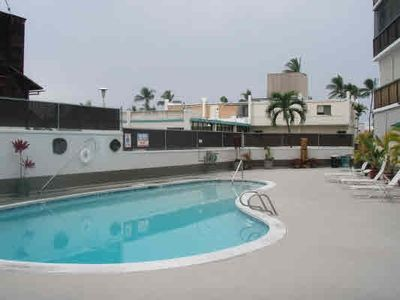Kona Plaza pool