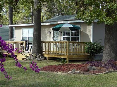Peaceful lakeview getaway at affordable rates vrbo for Cabins near lake livingston
