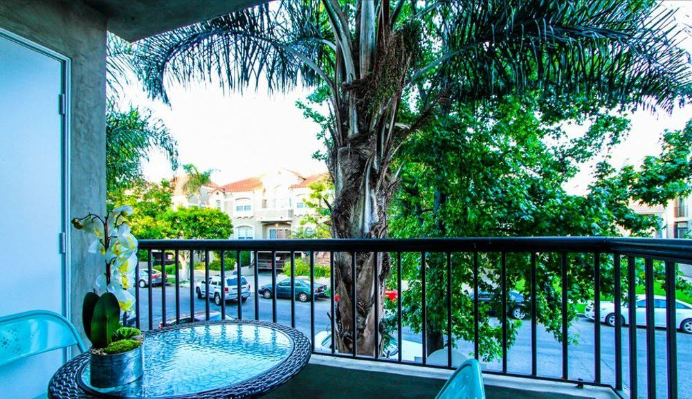 Luxurious 2 Bedroom Apartment In West Hollywood Vrbo